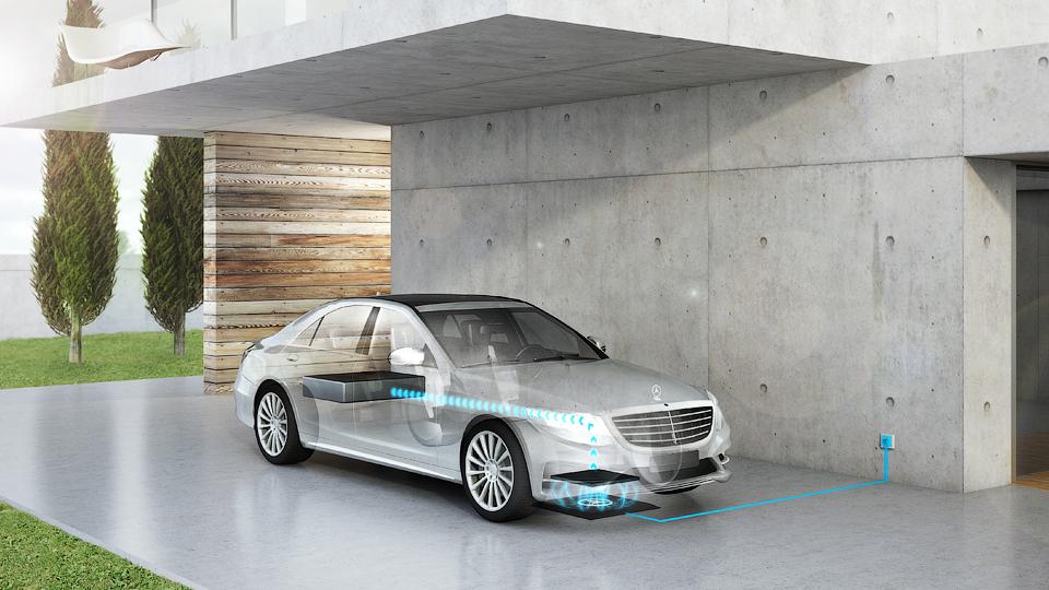 Автомобили концерна Daimler обзаведутся беспроводными зарядками