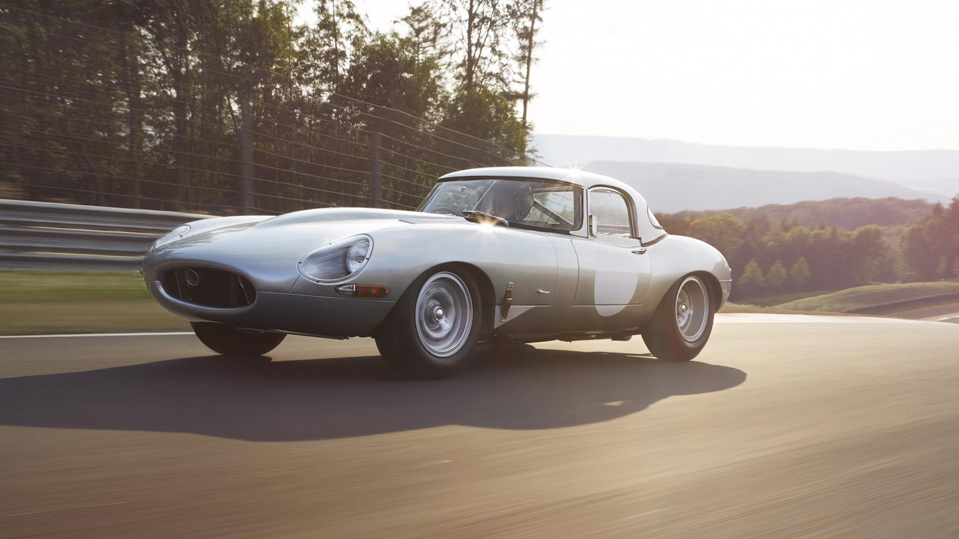 Автомобили с ретро-дизайном, которые выпускаются в наши дни. Фото 5