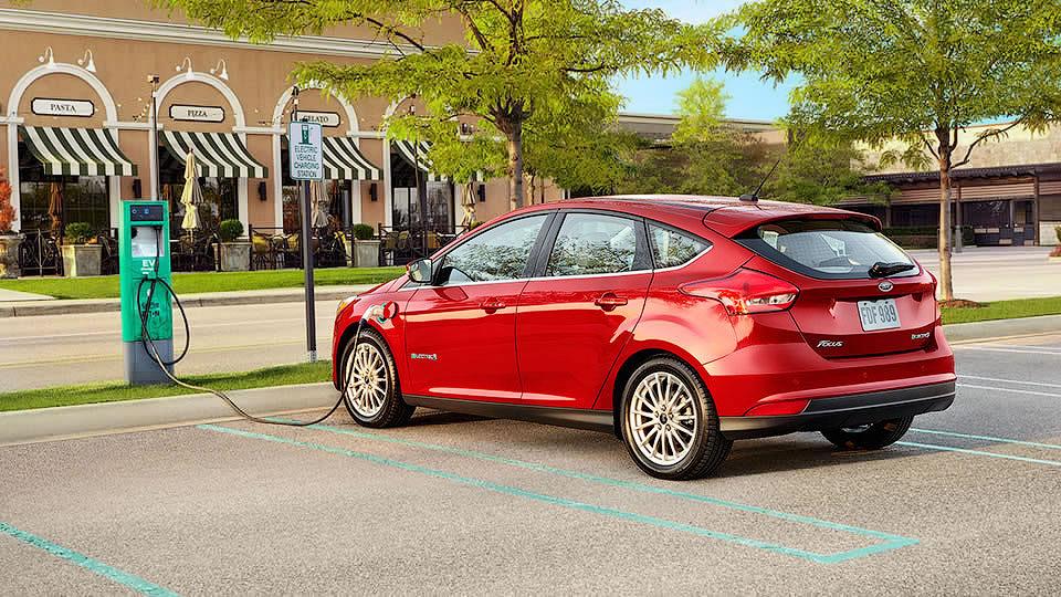 «Форд» открыл конкурентам технологии своих экомоделей