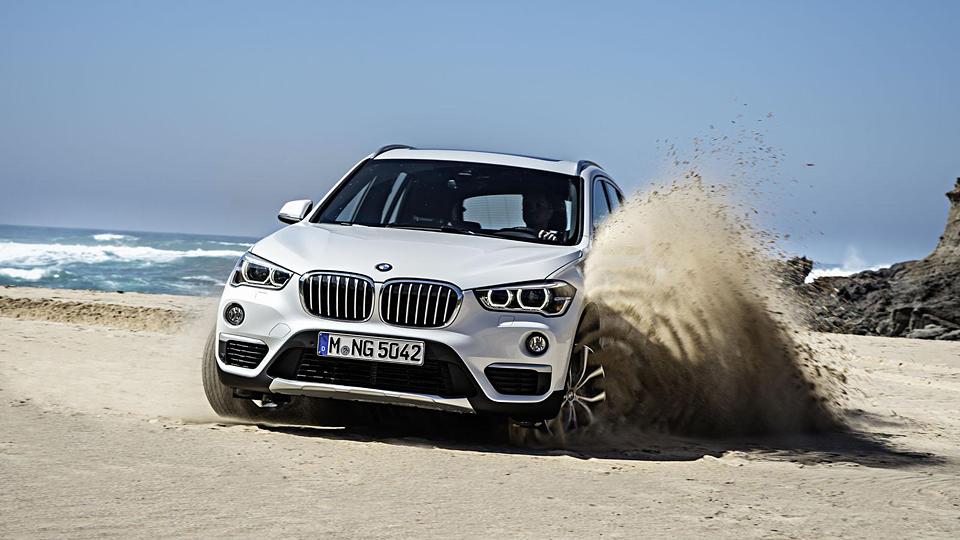 Компания BMW представила свой первый переднеприводный кроссовер