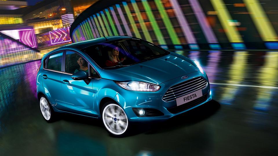 Ford объявил рублевые цены на седан и хэтчбек Fiesta
