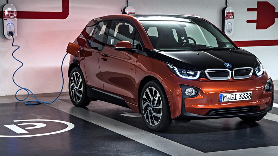 BMW добавит в свои автомобили парковочный поисковик