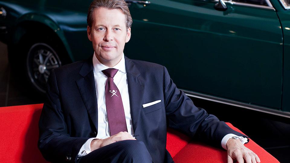 Компания Bentley назначила нового шеф-дизайнера