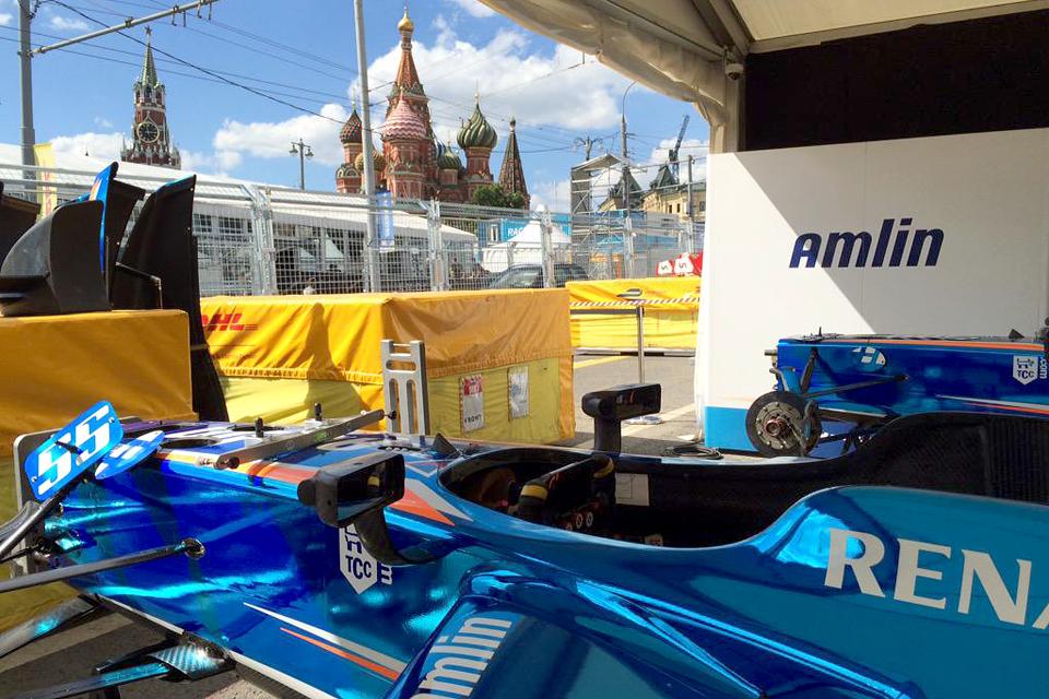Как попасть на гонку электрической Формулы у стен Кремля. Фото 2