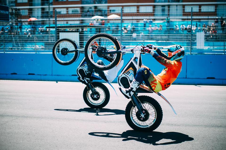 Как попасть на гонку электрической Формулы у стен Кремля. Фото 5
