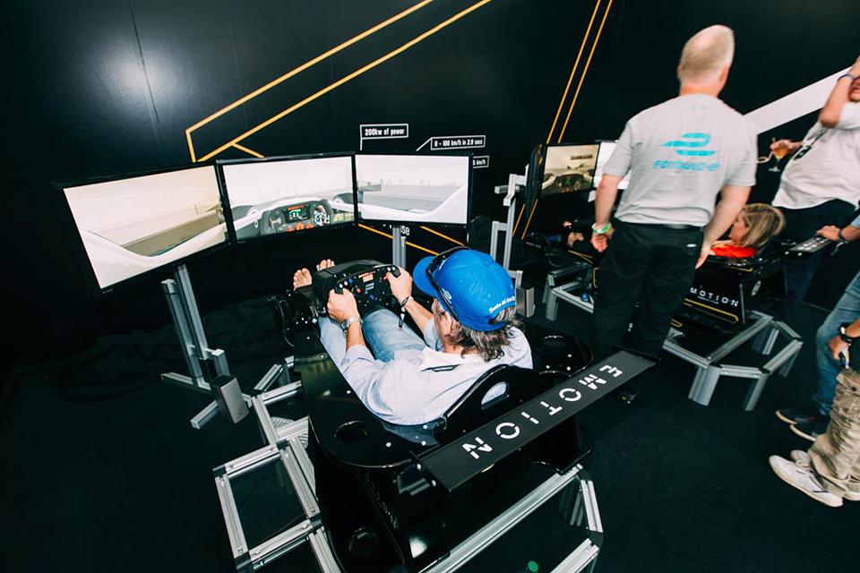 Как попасть на гонку электрической Формулы у стен Кремля. Фото 6