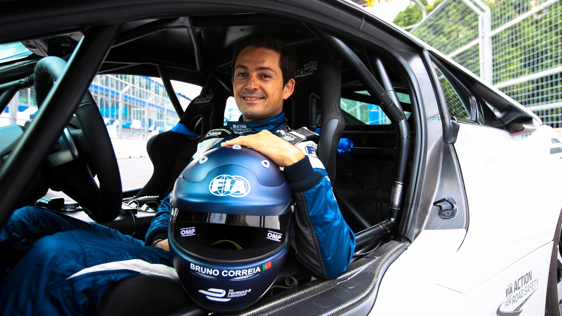 Как работает пилот машины безопасности Формулы-Е. Фото 5