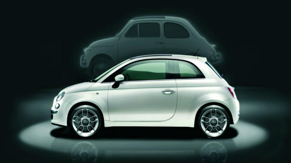 Названа дата дебюта обновленного Fiat 500