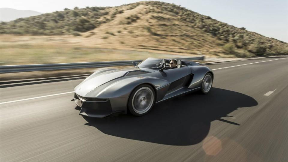 Компания Rezvani показала товарную версию карбонового суперкара