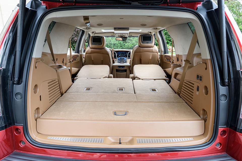 Каким стал самый харизматичный Cadillac после смены поколения. Фото 7