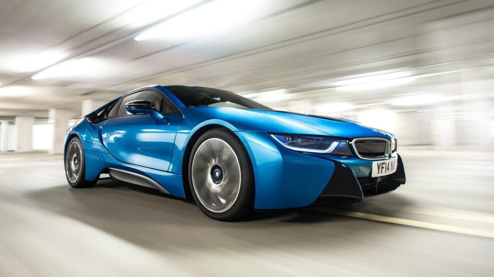 Гибрид BMW лишил Ford звания «лучшего мотора года»