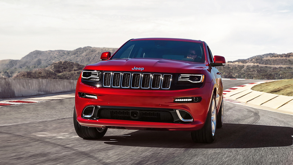 Jeep Grand Cherokee сравняется по динамике с суперкарами