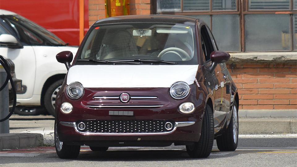 Фотошпионы рассекретили дизайн обновленного Fiat 500