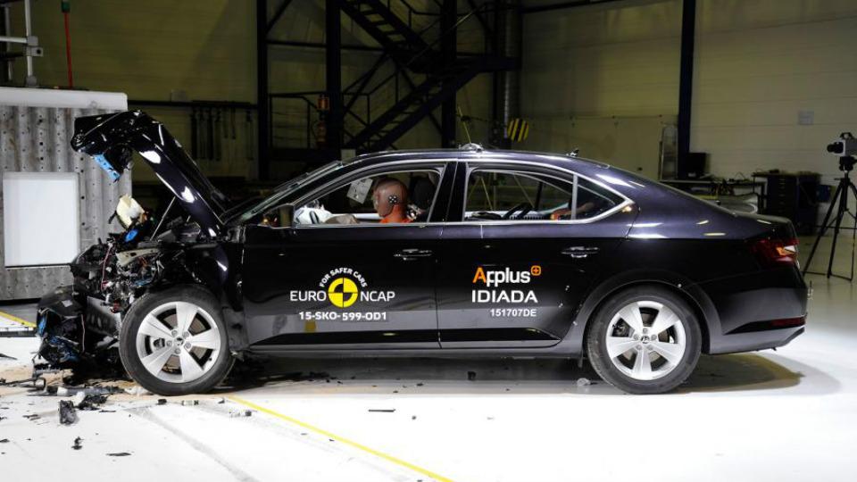 Skoda Superb получила высший балл на европейском краш-тесте