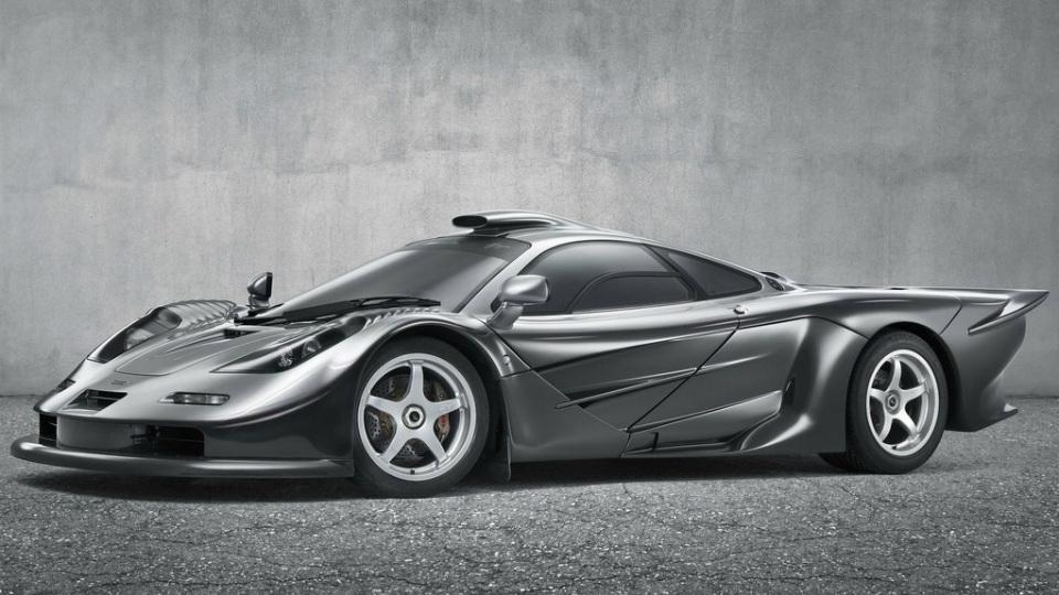 Британцы выпустили спецверсию суперкара P1 в честь Алена Проста. Фото 1