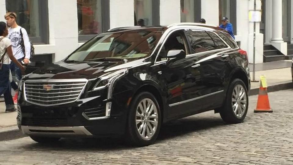Преемника кроссовера Cadillac SRX сфотографировали без камуфляжа