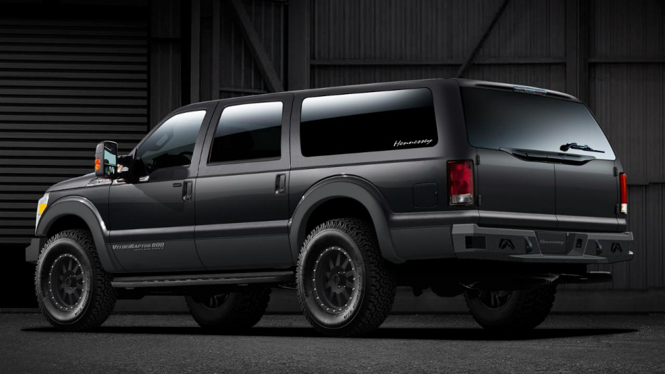 Американцы создали «современную версию» внедорожника Ford Excursion