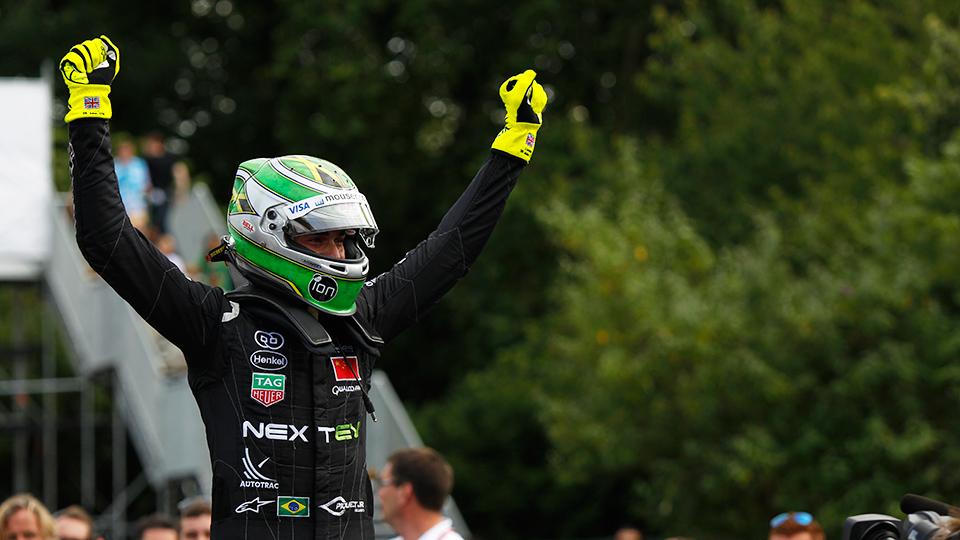 Первым чемпионом Формулы-E стал Нельсон Пике