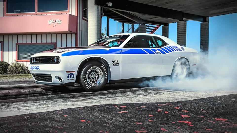 Dodge подготовил для нового дрэгового Challenger два мотора