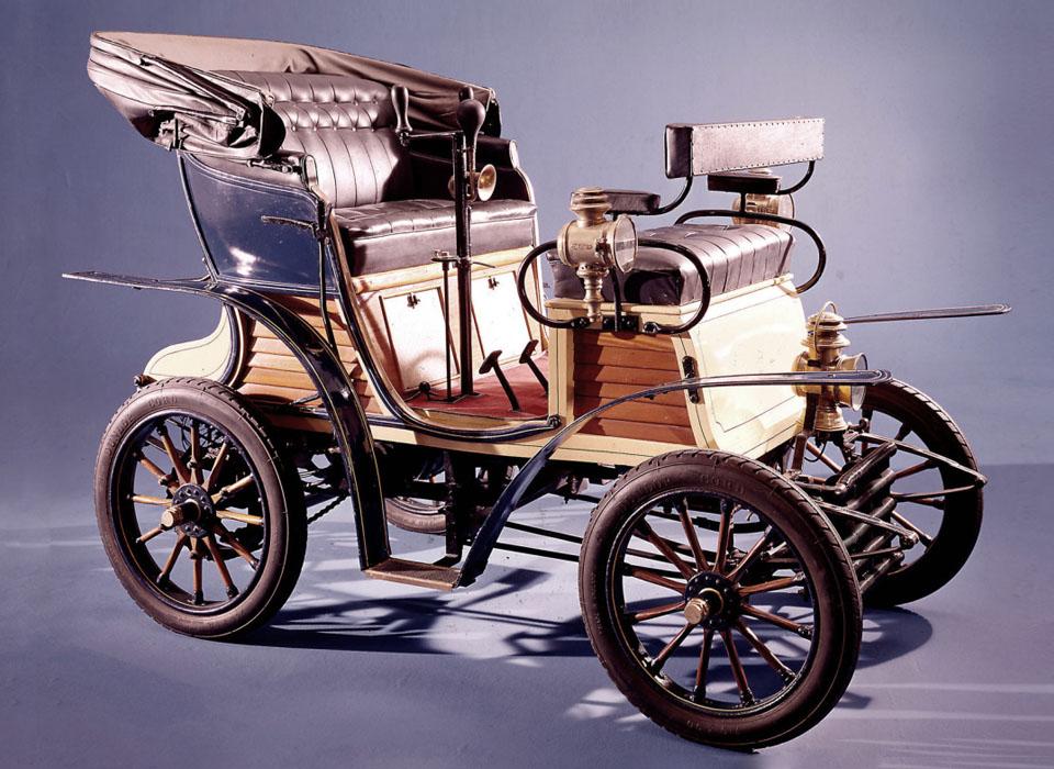 С каких моделей начиналась история автопроизводителей. Фото 11