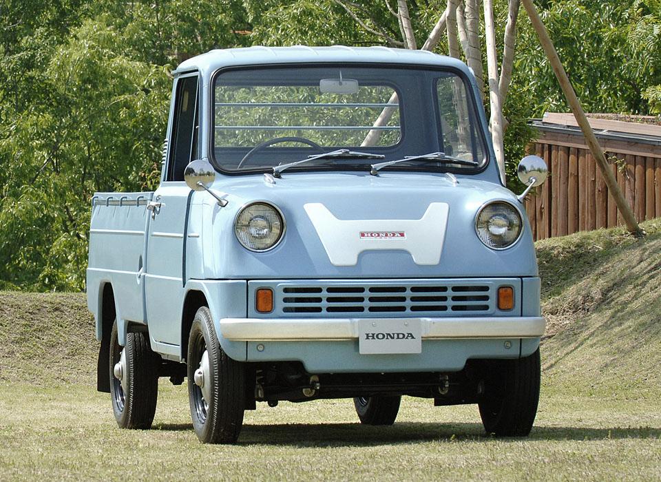 С каких моделей начиналась история автопроизводителей. Фото 13