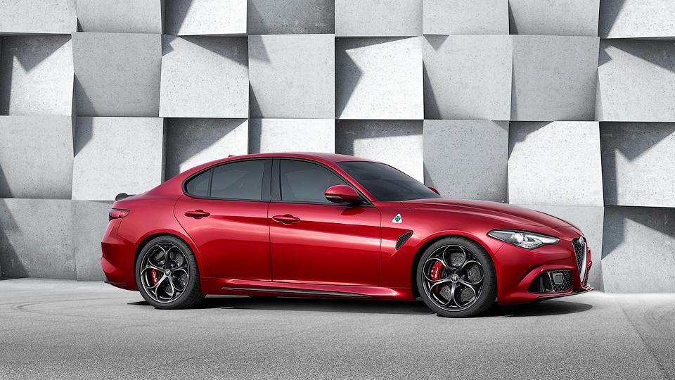 Alfa Romeo дала послушать мотор «заряженного» седана Giulia