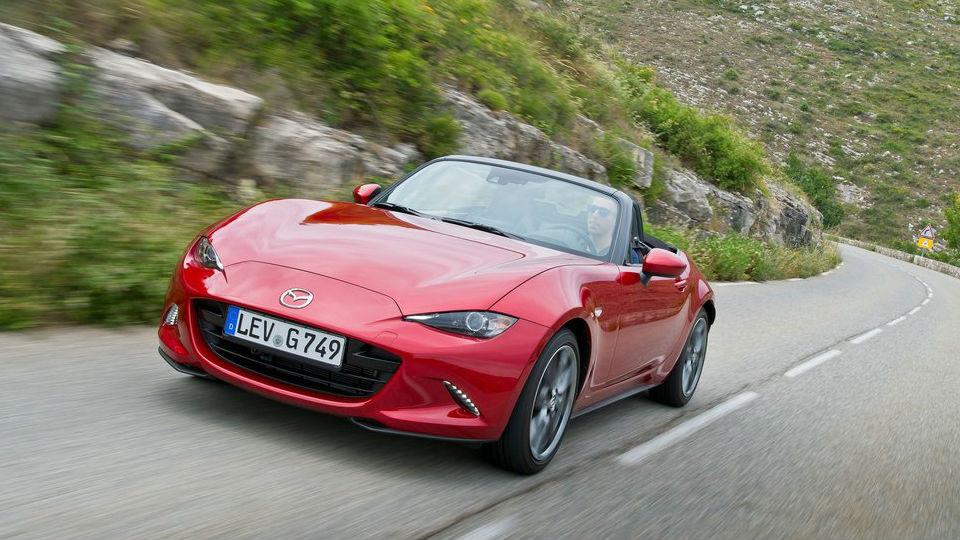 Mazda откажется от «заряженного» родстера MX-5