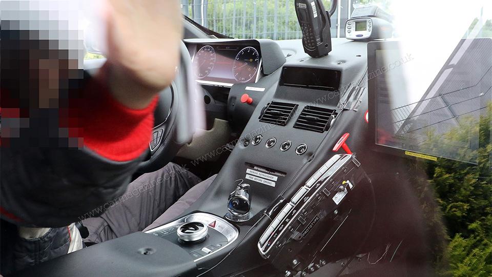 Новый Aston Martin получит элементы интерьера от «Мерседеса»