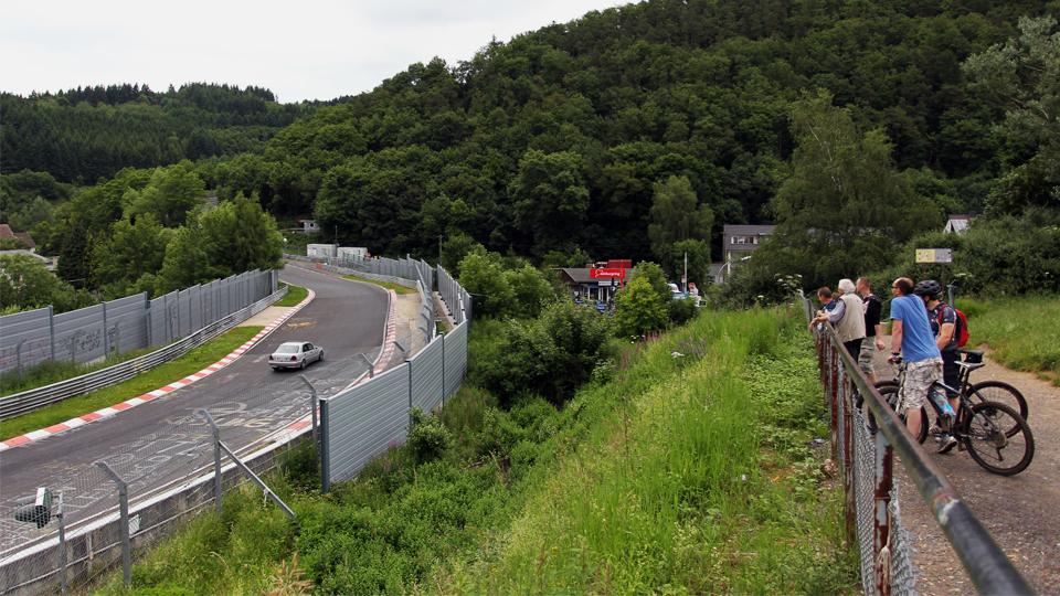 Администрация «Нюрбургринга» предложила фанатам изменить трассу
