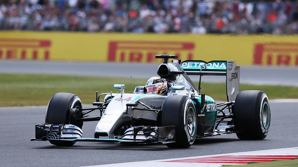 Хэмилтон в третий раз выиграл Гран-при Великобритании