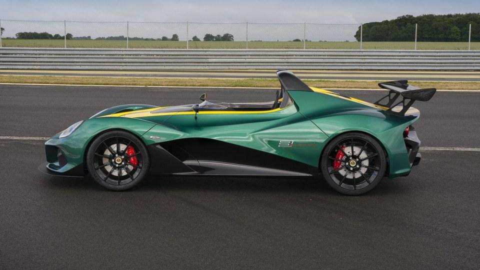 Руководитель британской сообщил о разработке модели 4-Eleven
