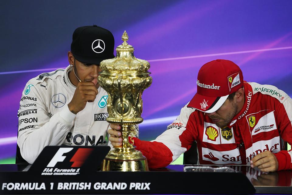 Как дождь помог Льюису Хэмилтону выиграть домашний Гран-при. Фото 2