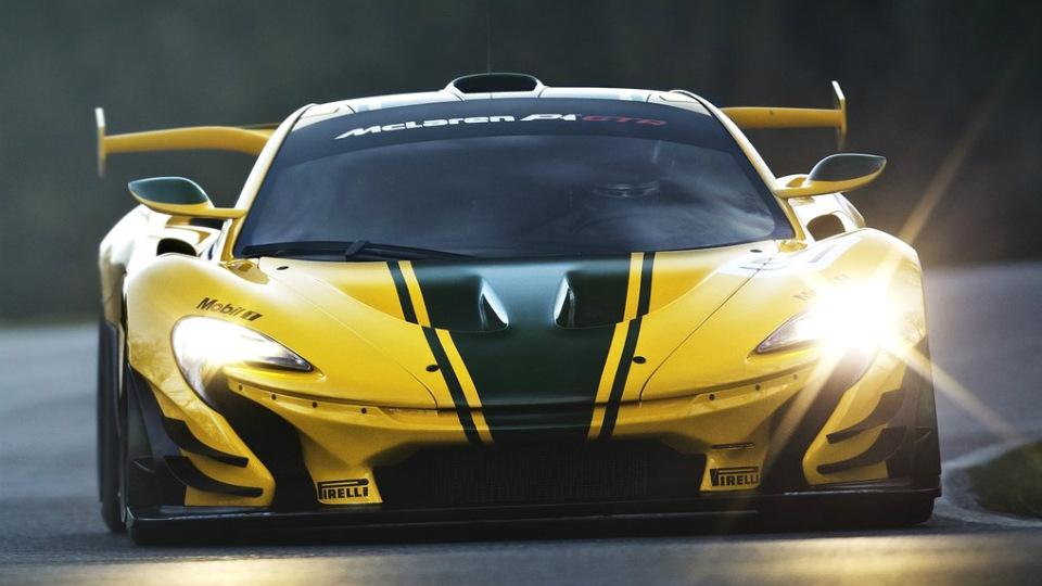 Компания McLaren начала выпуск трекового гибрида раньше срока