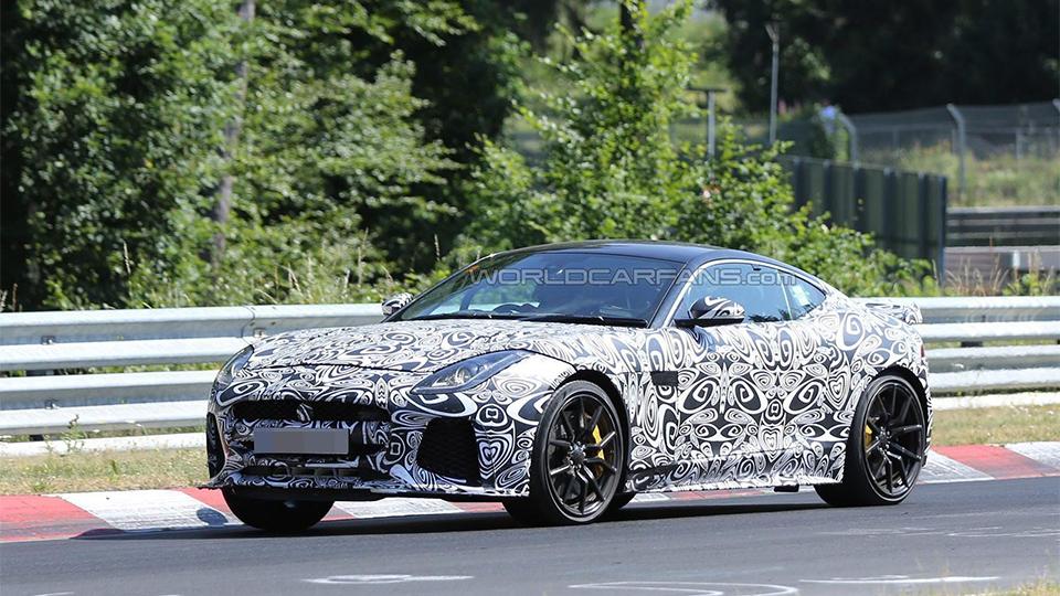 Самый мощный Jaguar F-Type вывели на Нюрбургринг