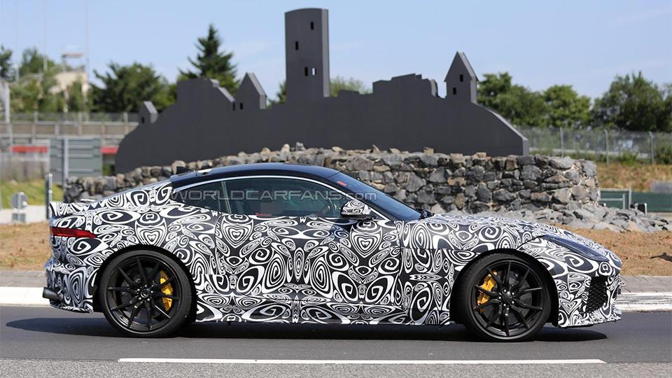 Jaguar F-Type SVR может дебютировать через год