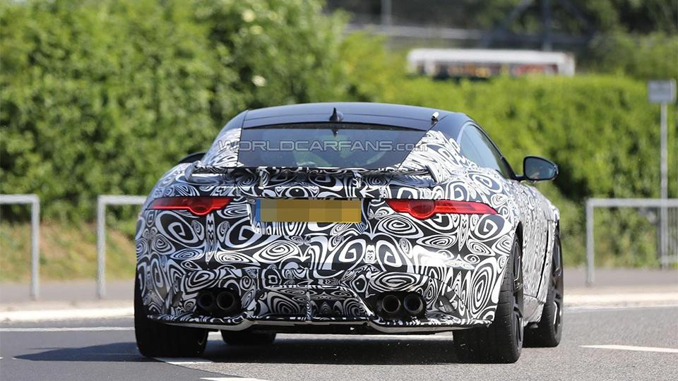 Jaguar F-Type SVR может дебютировать через год. Фото 1