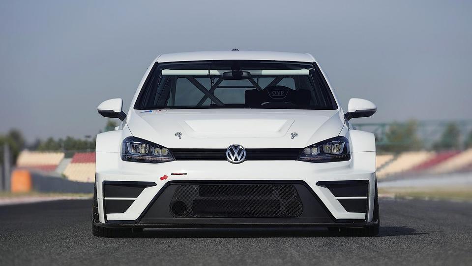 Volkswagen подготовил Golf к кузовным гонкам