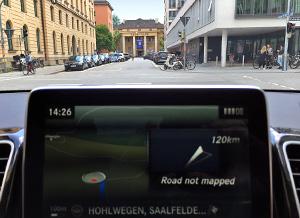После семи лет разгульной холостяцкой жизни в двери BMW X6 постучали. Фото 6