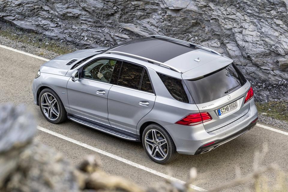 После семи лет разгульной холостяцкой жизни в двери BMW X6 постучали. Фото 13