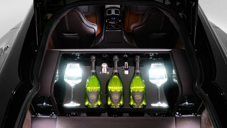 Aston Martin Rapide S приспособили для перевозки шампанского