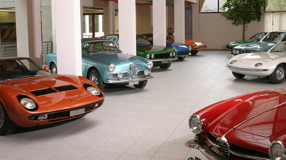 Семьдесят девять машин из музея Bertone продадут за миллион евро