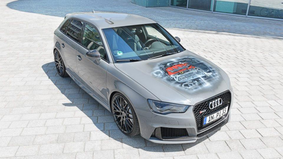 Компания Audi оснастила хот-хэтч RS3 карбоновыми колесами