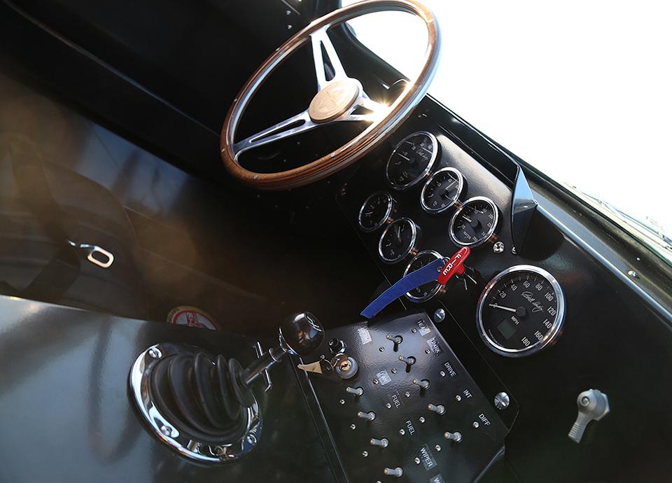 Компания подготовит 50 реплик купе Daytona Cobra . Фото 2
