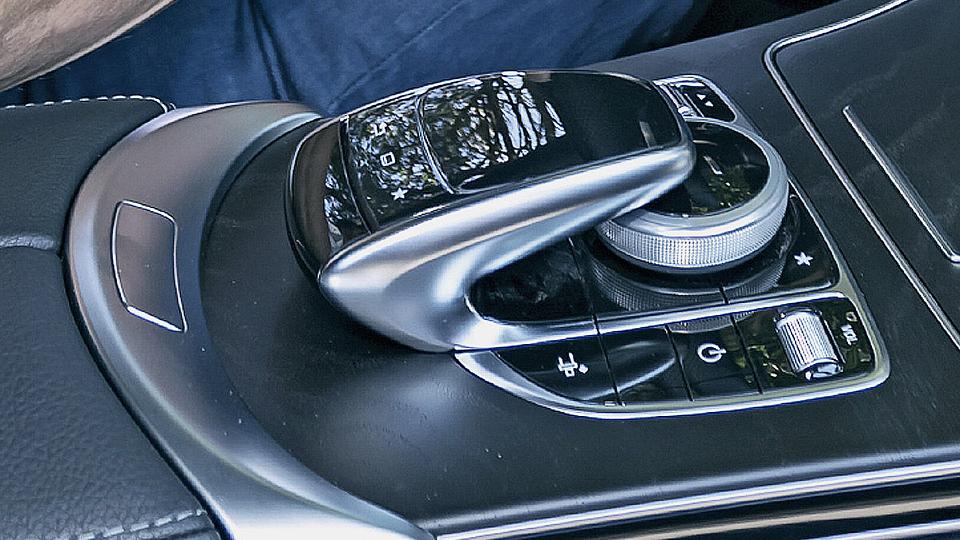 Издание Autobild провело тест-драйв новой модели. Фото 2