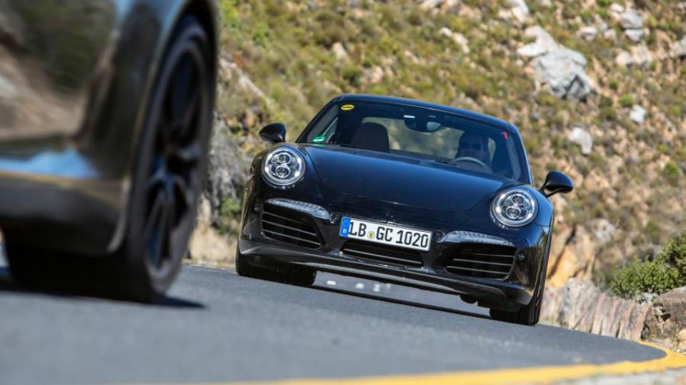 Немецкие СМИ узнали о моторах обновленного Porsche 911