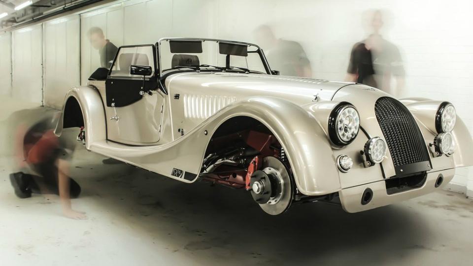 Дебютировал первый в истории «Морган» с мотором Cosworth