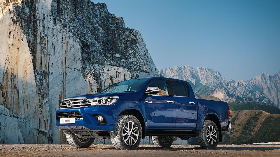 «Тойота» назвала рублевую стоимость нового Hilux
