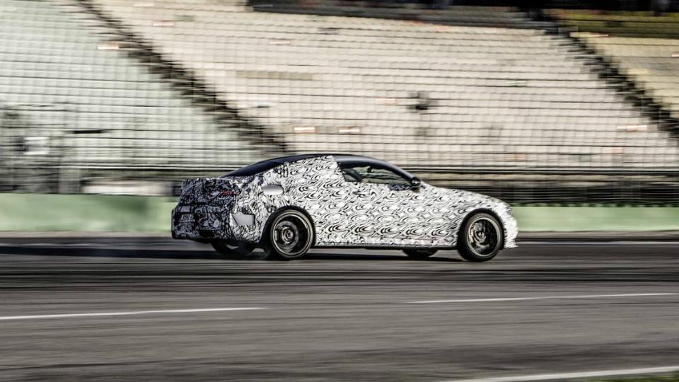 Опубликованы фотографии нового Mercedes-AMG C 63 Coupe . Фото 1