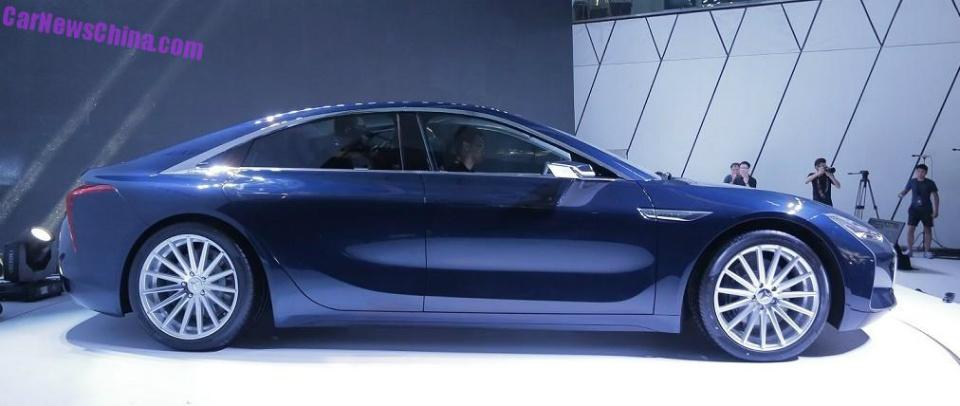 Компания Youxia представила 348-сильный электрический седан