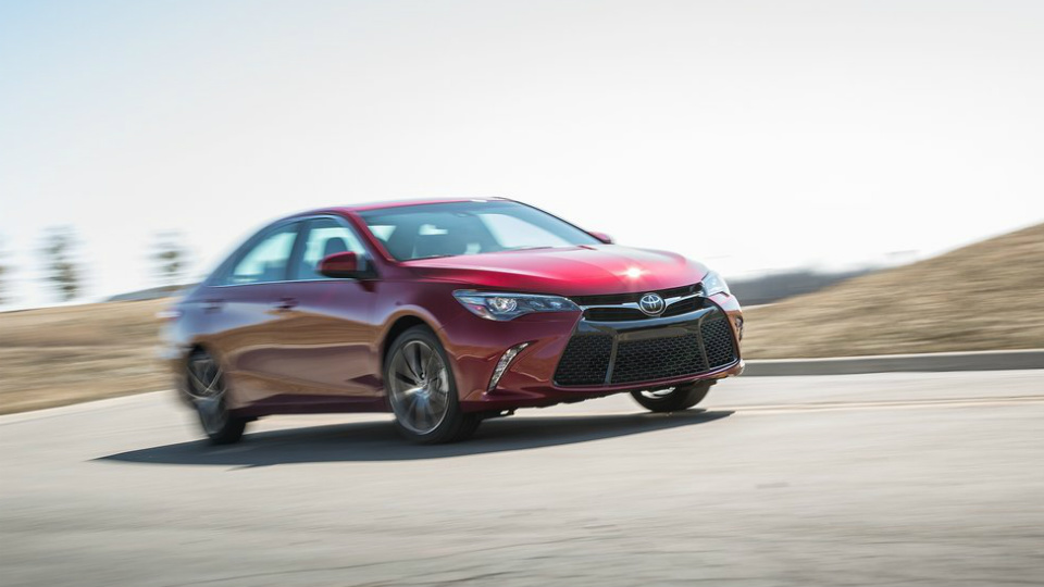 Toyota Camry получит турбомотор